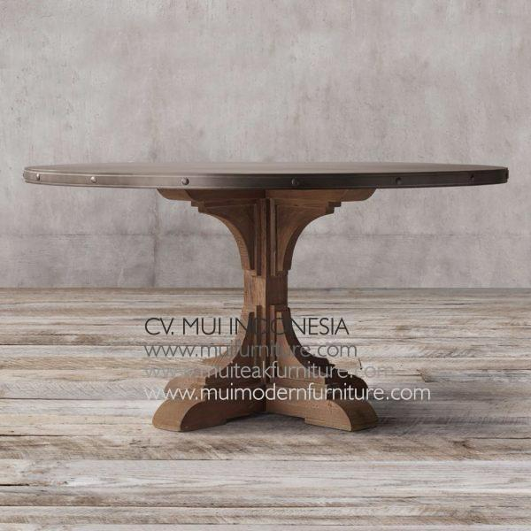 Nest Round Teak Table